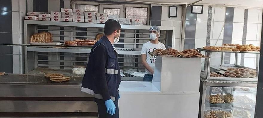 Bağlar Belediyesi fırınları denetledi,açıkta satılan ekmekleri topladı