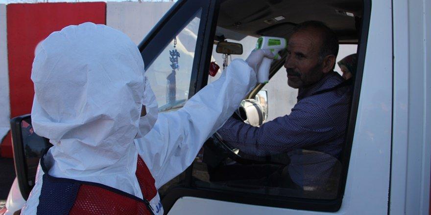 VİDEO - Diyarbakır'a araç giriş çıkışları durduruldu