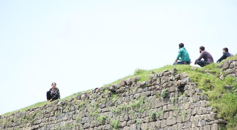Diyarbakır Sur'da intihar girişimi