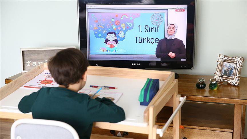 Bahçeşehir Koleji 100 bin öğrenciye uzaktan eğitim veriyor!