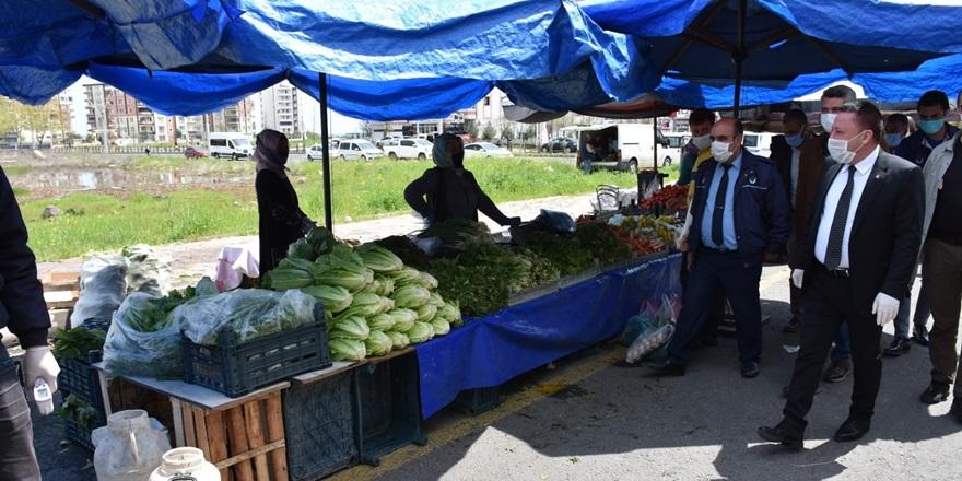 Beyoğlu, kadın semt pazarında denetimlerde bulundu