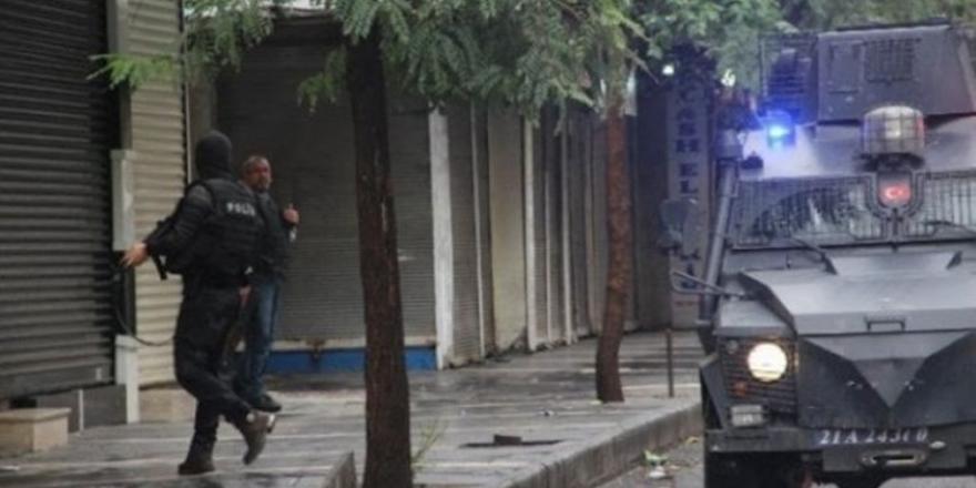 Diyarbakır'da operasyon: 18 kadın gözaltına alındı
