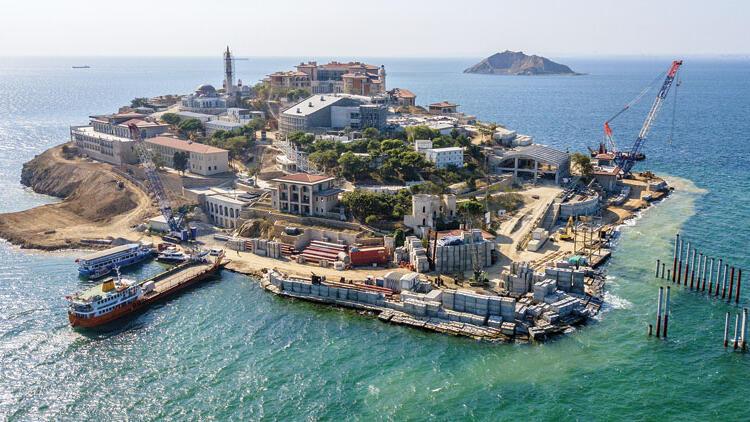 Demokrasi ve Özgürlükler Adası açıldı