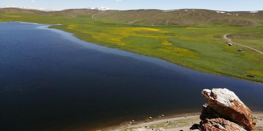 VİDEO - Urartular döneminden kalan Keşiş Gölü hayran bırakıyor