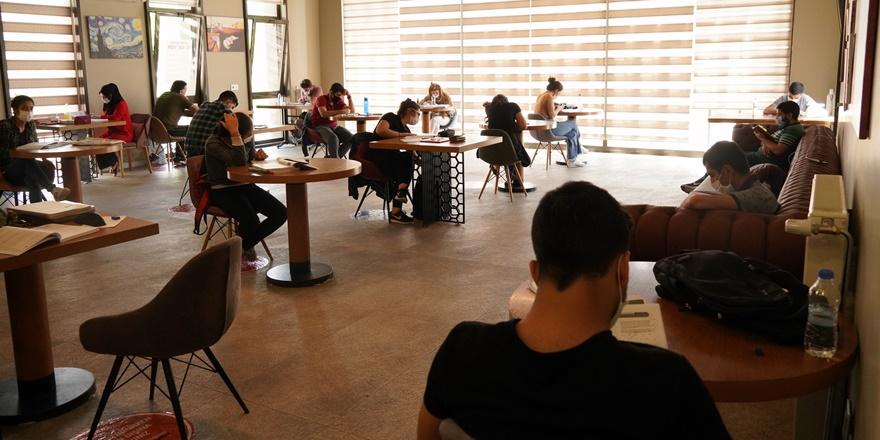 Diyarbakır'da kütüphaneler yeniden faaliyete geçti