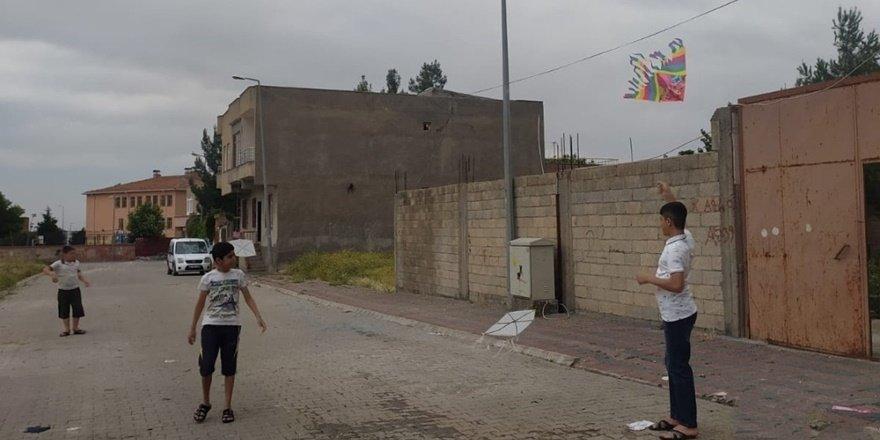 Diyarbakır Çınar'da çocukların uçurtma şenliği