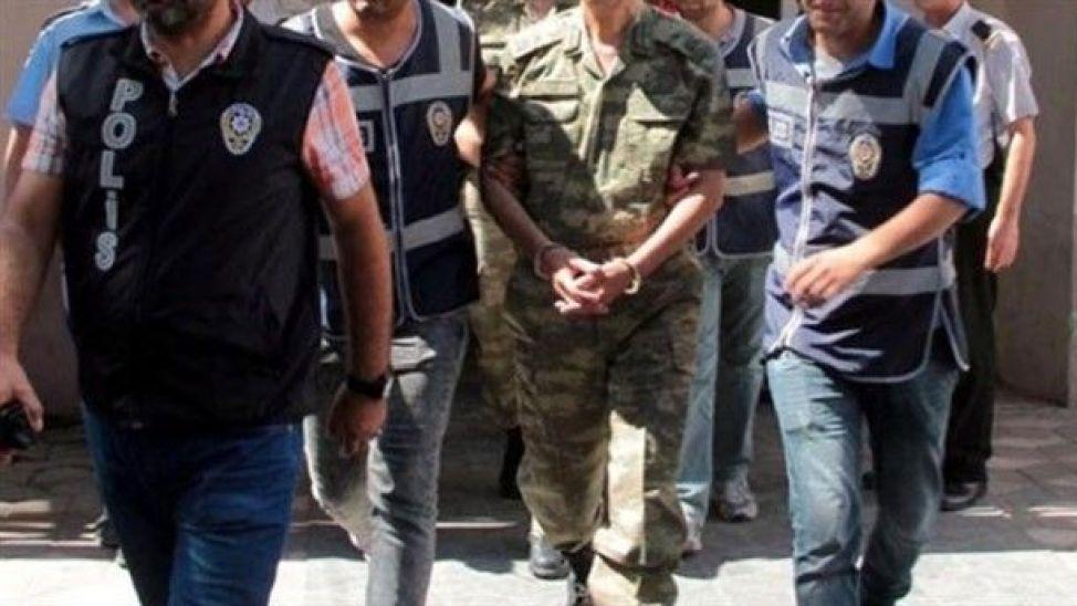 Diyarbakır'da FETÖ operasyonu: 15 askeri personel gözaltına alındı