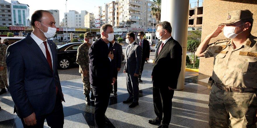 Savunma Bakanı Akar ve komuta kademesi Şanlıurfa'da