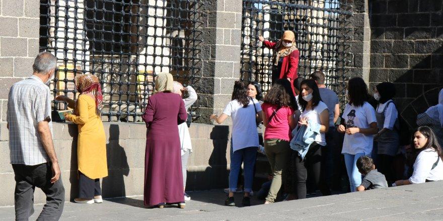 Öğrencilerin sınavdan önceki durağı Hz. Süleyman Camisi oldu