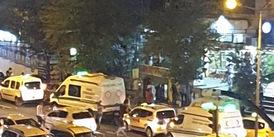 VİDEO - Diyarbakır'da bir evden erkek cesedi çıktı