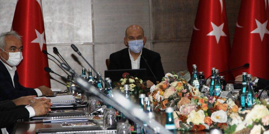 VİDEO - Bakan Soylu Diyarbakır'da güvenlik toplantısına katıldı