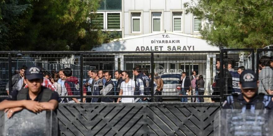Diyarbakır'da 5 kişi daha tutuklandı