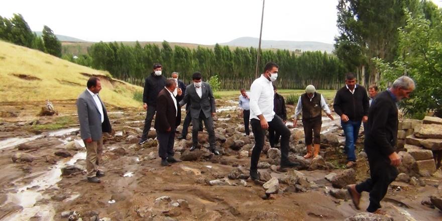 VİDEO - Erciş'te sel 74 koyunu telef etti