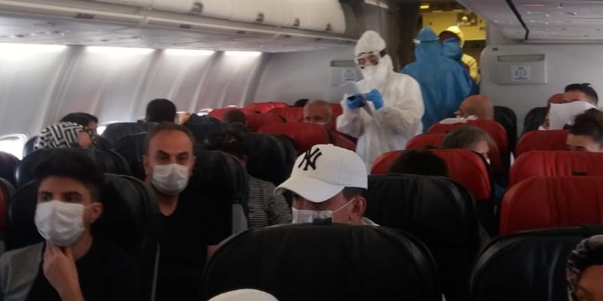 Diyarbakır - Ankara uçağında korona virüs paniği