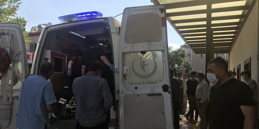 Siirt'te traktör devrildi: 3 ağır yaralı