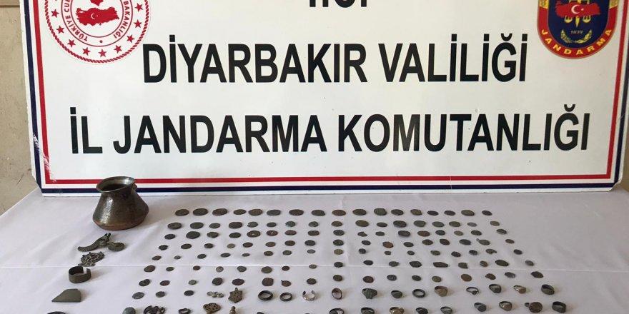 Diyarbakır'da Roma ve İslami döneme ait 168 tarihi eser ele geçirildi
