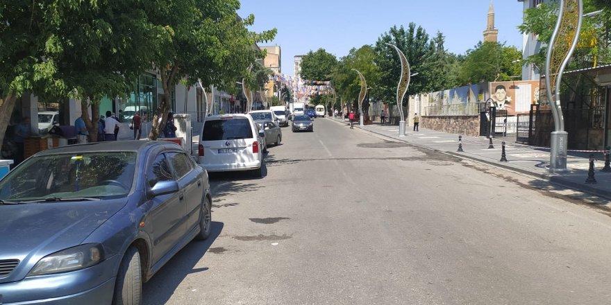 Koronavirüs tedbirleri kapsamında kapatılan yol trafiğe açıldı