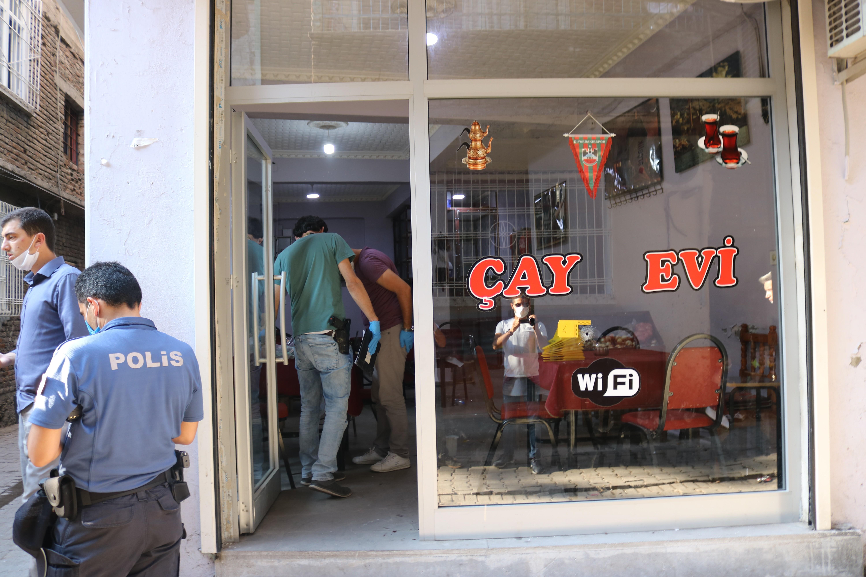 Diyarbakır'da kıraathaneye silahlı saldırı: 1 çocuk öldü