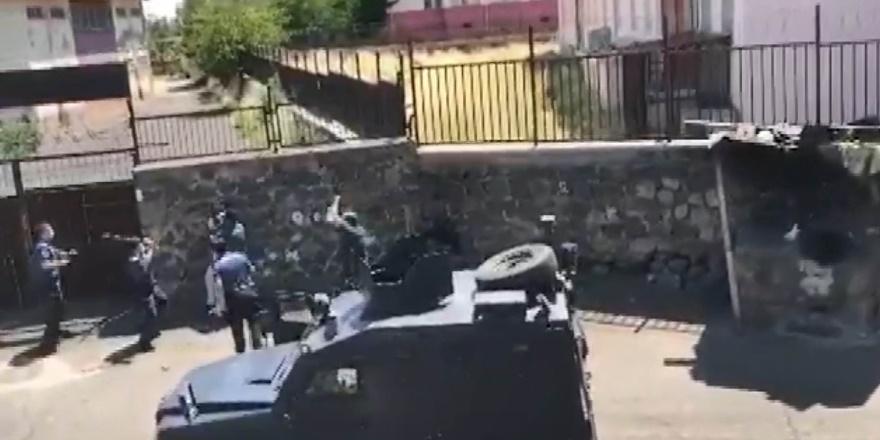 Diyarbakır'da babaları tarafından rehin alınan 3 çocuk kurtarıldı