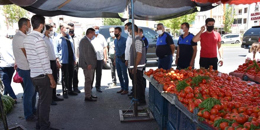 Beyoğlu'dan pazarda fiyat ve korona virüs denetimi