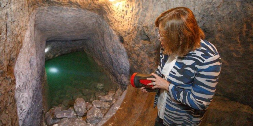 Gaziantep Kalesi'nde tüneller ve su alanı bulundu
