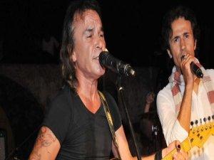 Rockçı imam New York'ta konser verdi