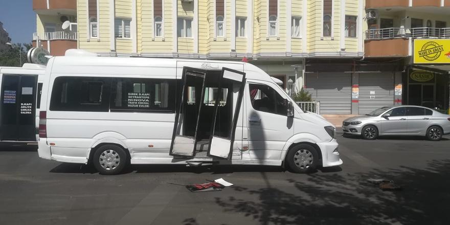 Minibüste ayakta yolcu bulunmaması olası kazayı önledi