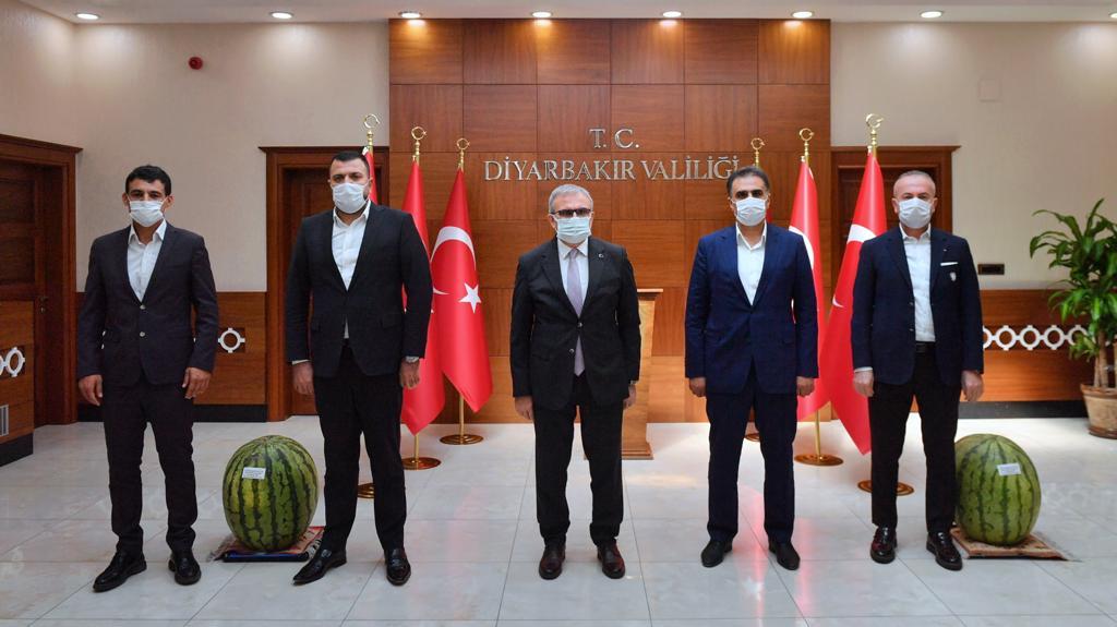 OSB'nin yeni başkan ve yönetiminden Vali'ye ziyaret