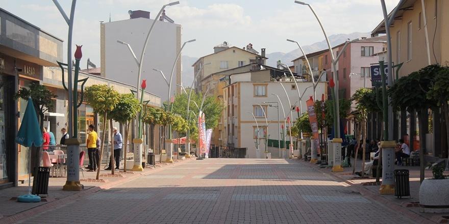 Diyarbakır'da 4 yıldır kapalı olan cadde trafiğe açıldı