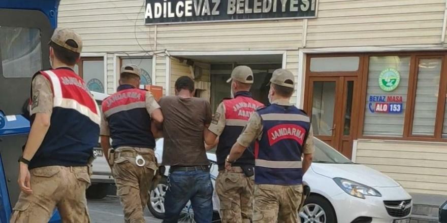 Göçmen kaçakçılığı yapan 2 şüpheli suçüstü yakalandı