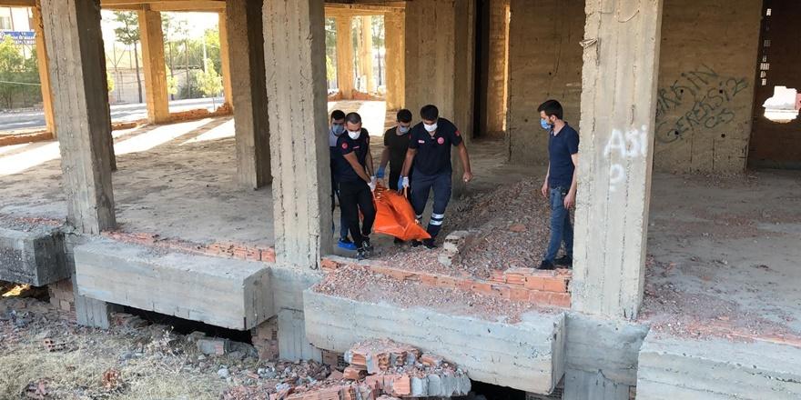 Silvan'da bir inşaatta erkek cesedi bulundu