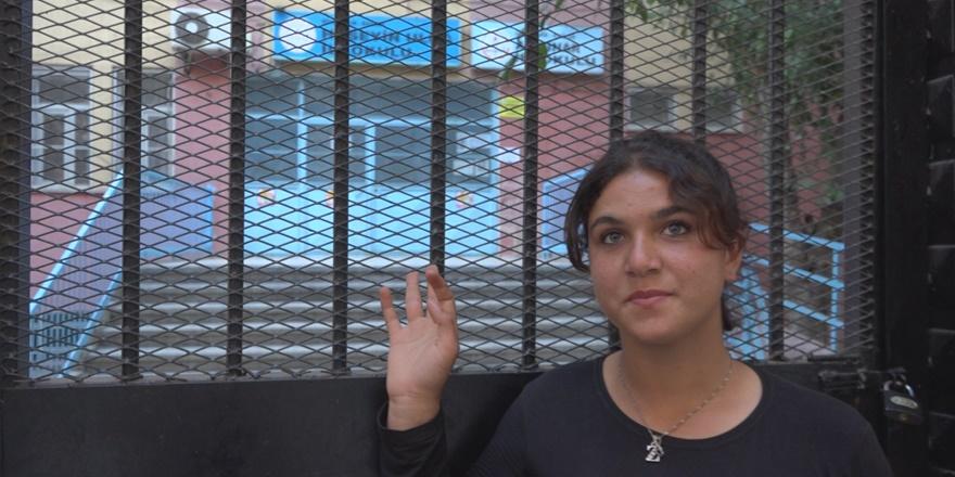 VİDEO - Diyarbakırlı Rozerin'in okul özlemi