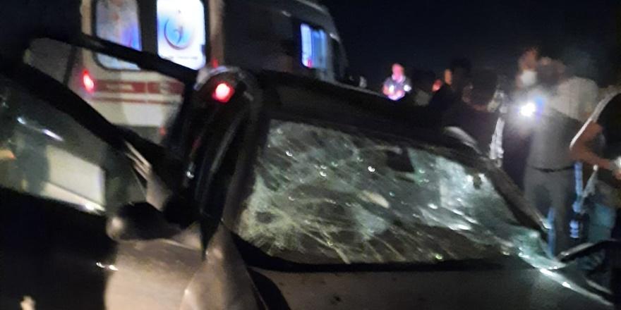 Tır ile otomobil kafa kafaya çarpıştı: 1 ölü, 1 yaralı