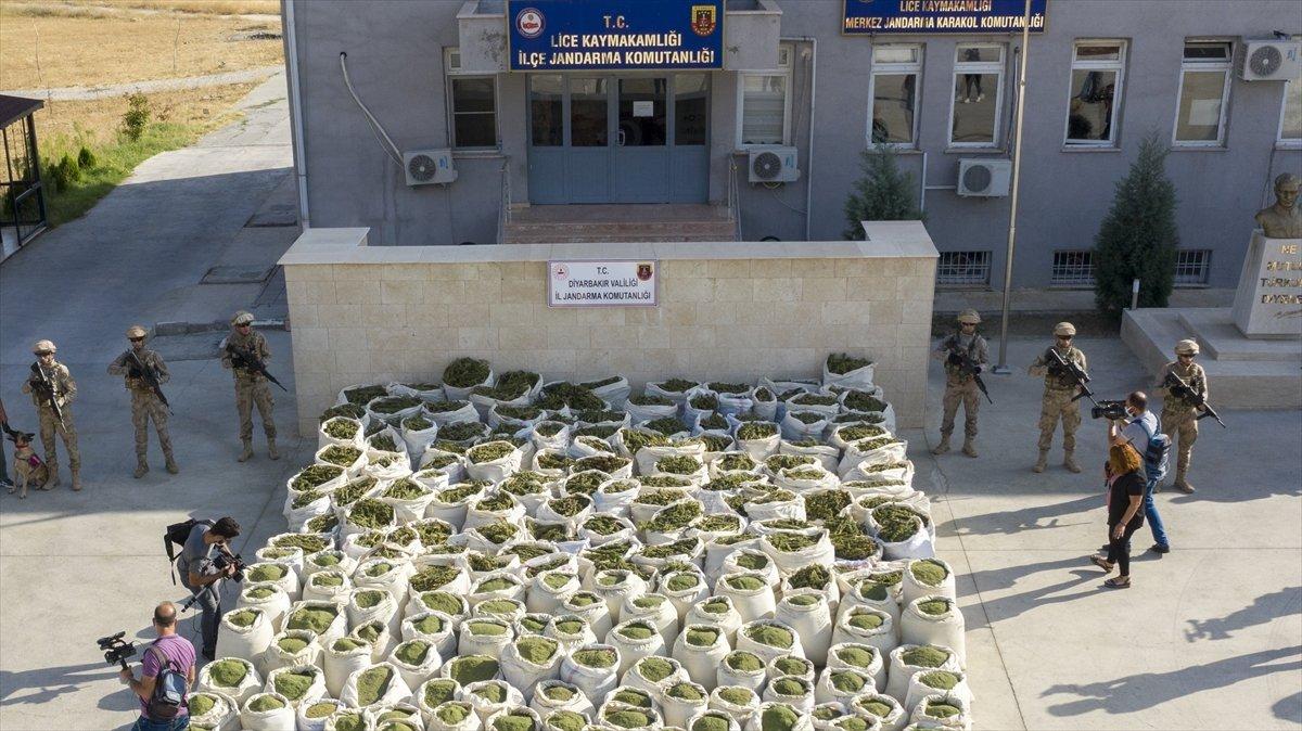 Diyarbakır'da operasyon: 325 kilo esrar ele geçirildi