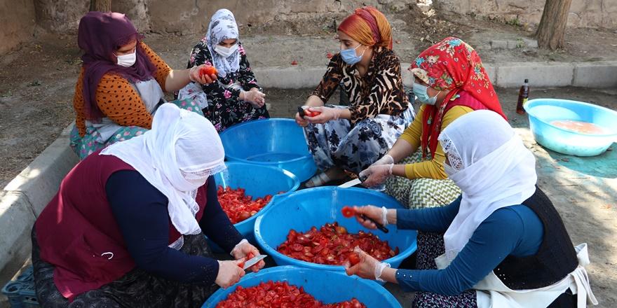 Diyarbakırlı kadınlardan ihtiyaç sahiplerine konserve