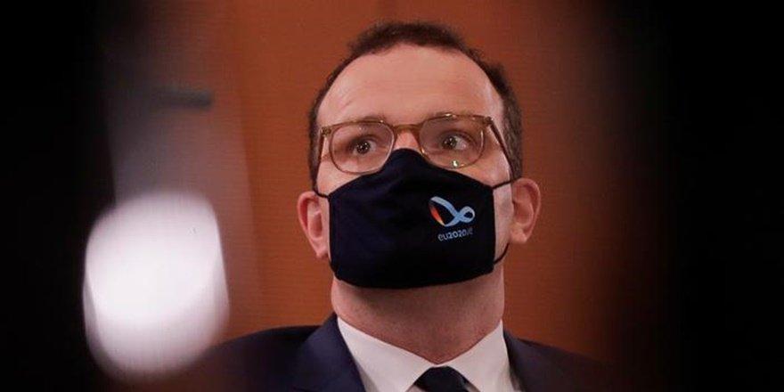 Almanya Sağlık Bakanı Spahn koronaya yakalandı