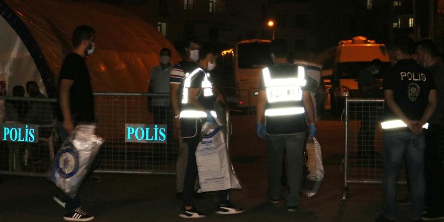 Diyarbakır'da HDP'li başkanlar gözaltına alındı