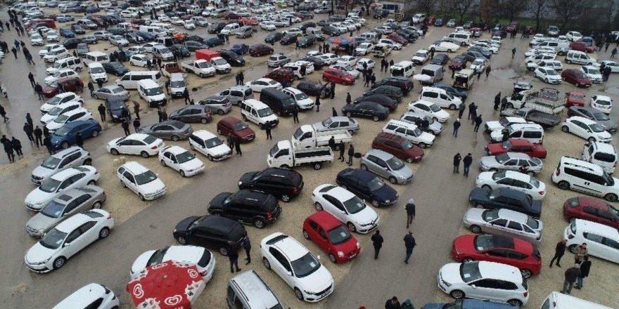 İkinci el araba satışları durdu, fiyat artışı durmadı