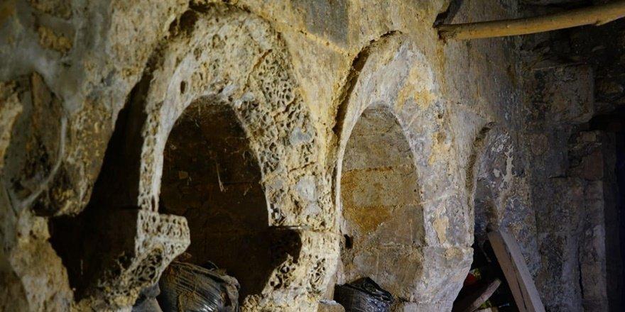 Mardin'de 1700 yıllık kilise 7 milyon 250 bin TL'den satılıyor