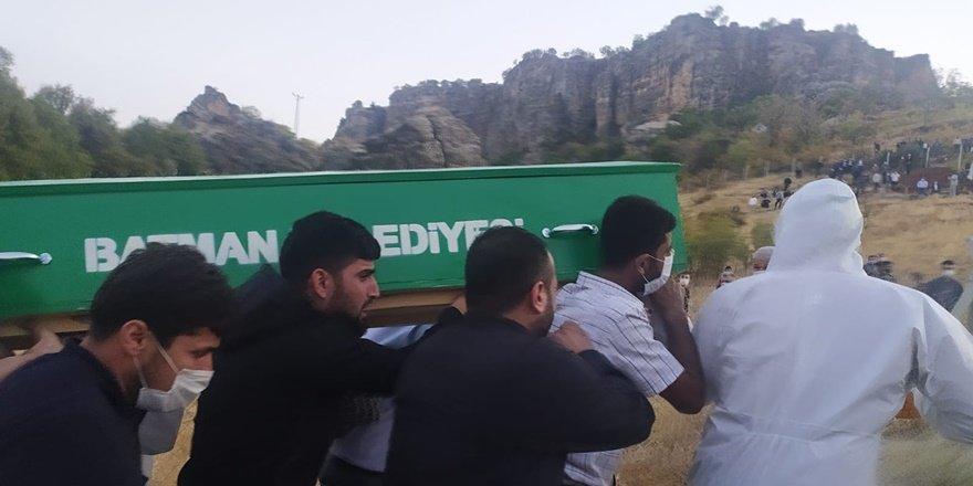Silvan'da koronadan bir kişi hayatını kaybetti