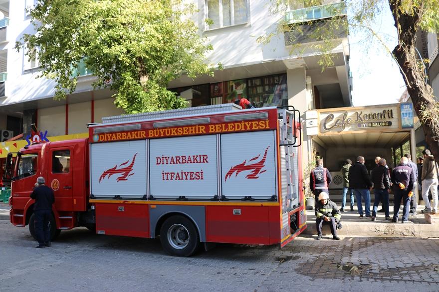 Elektrik panosunda çıkan yangın paniğe neden oldu