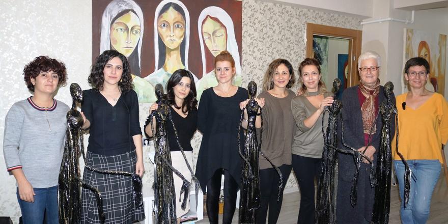 Diyarbakırlı kadınlar 'Göç mağduru kadınları' sanatla anlattı