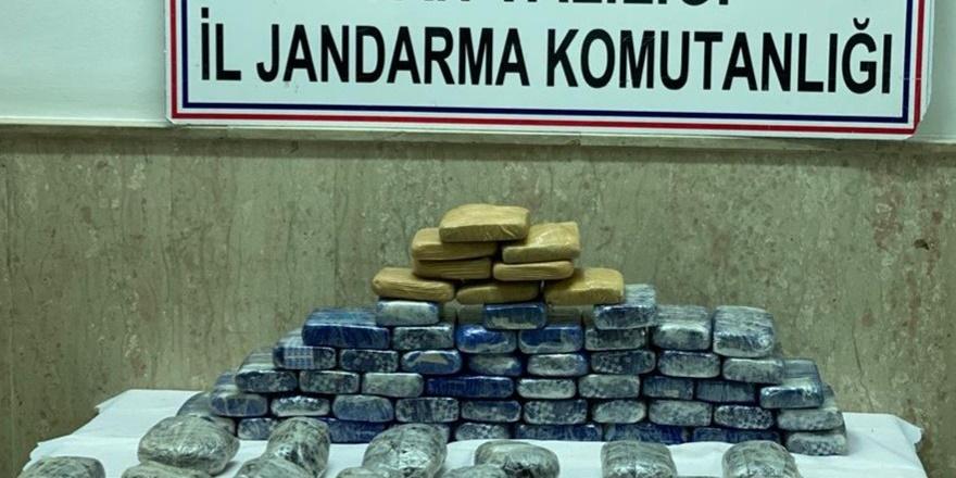 Çaldıran'da 44 kilo uyuşturucu ele geçirildi