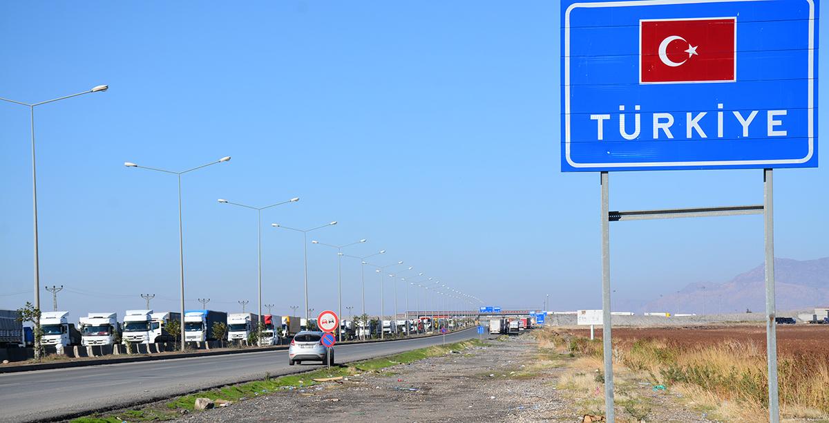 Habur Sınır Kapısı'ndan Irak'a günlük tır geçişleri arttı