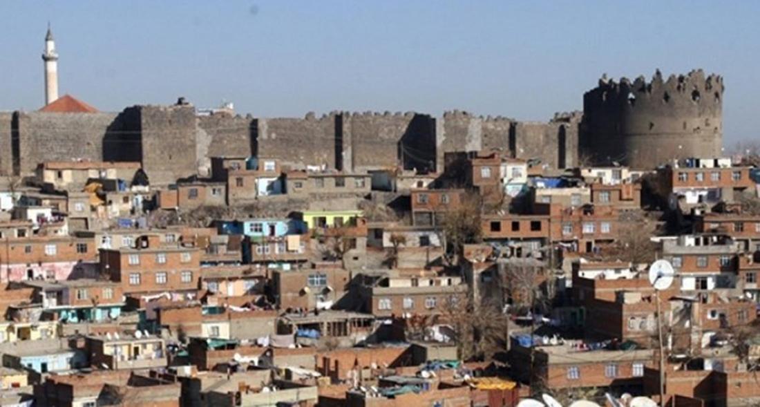 Diyarbakır sokağa çıkma kısıtlamasına uydu