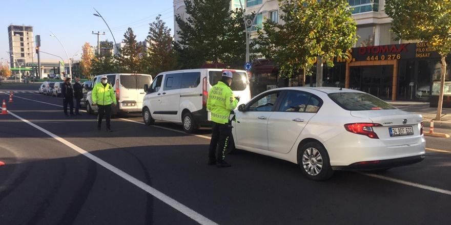 Diyarbakır'da denetimler devam ediyor