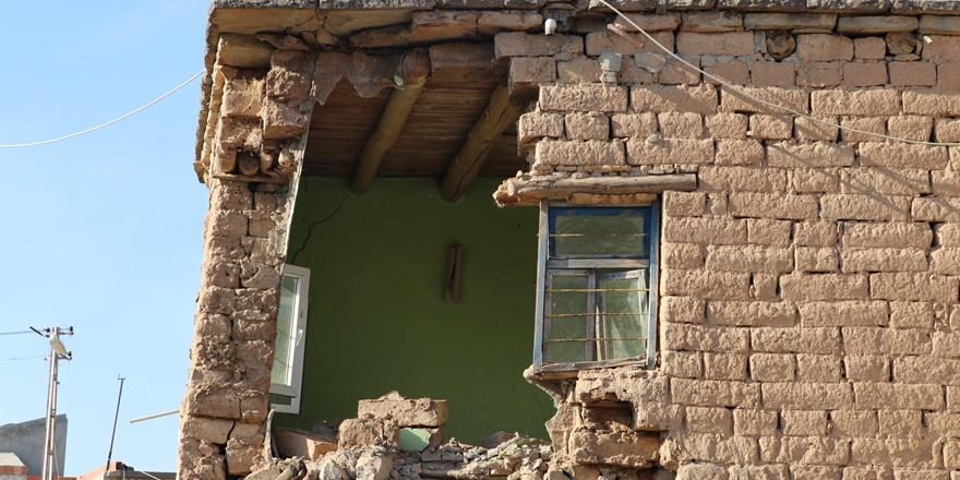 Siirt depreminde yıkılan 35 yıllık ev 2 ay önce boşaltılmış