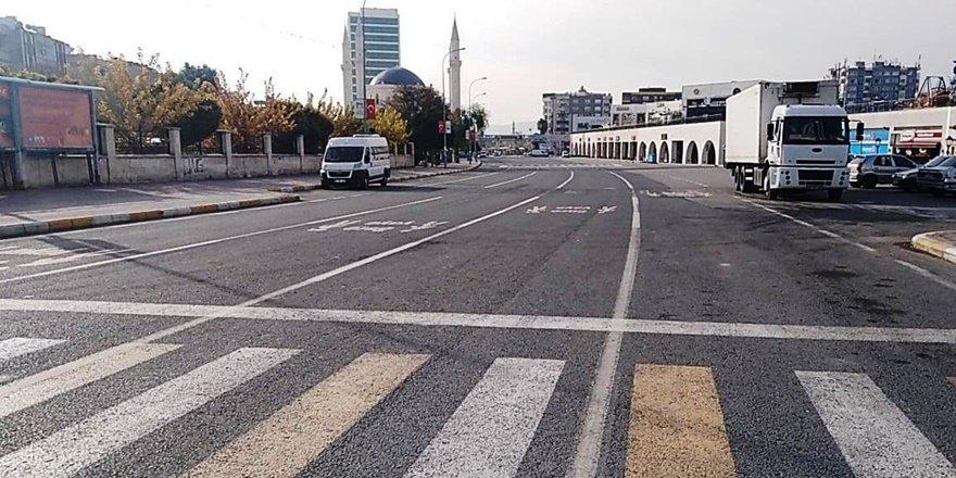 Şanlıurfa'da cadde ve sokaklarda sessizlik