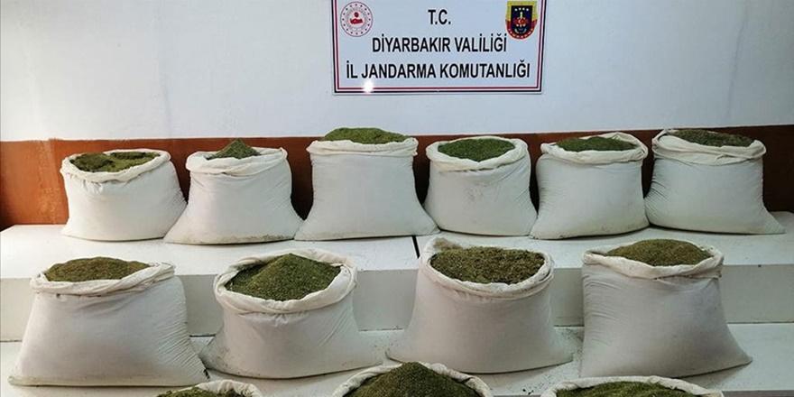 Diyarbakır'da 1 ton 16 kilogram esrar ele geçirildi