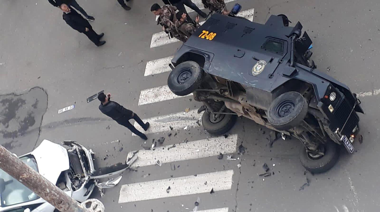 Batman'da otomobil zırhlı araç ile çarpıştı